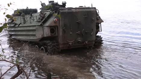 Us-Marines-Drive-Amphibious-Vehicles-Into-A-River-For-A-Training-Exercise