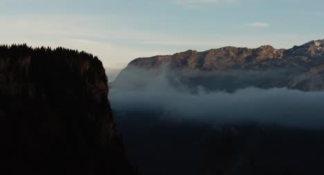 Dramática-escena-de-la-montaña-01
