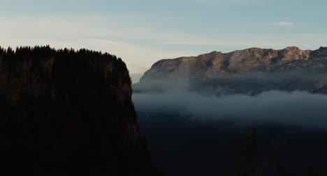 Dramatic-Montaña-Scene-02
