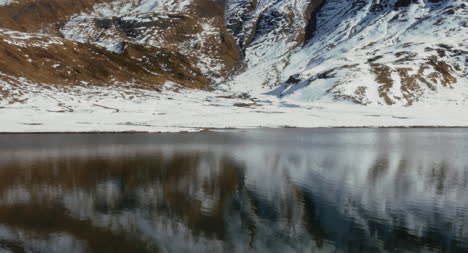Mountain-Reflected-in-Water-02