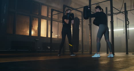 Women-Sparring-in-Gym-01