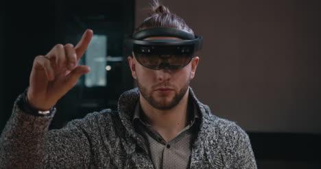 Mann-Mit-VR-Headset