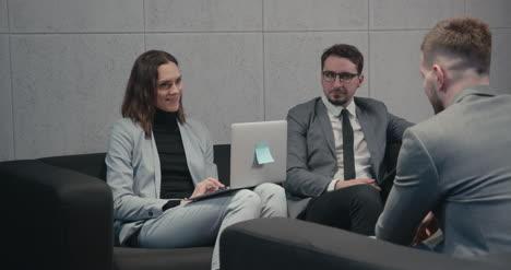 Job-Interview-02