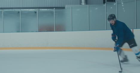 Práctica-de-hockey-sobre-hielo-24