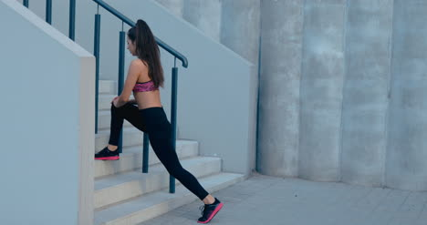 Runner-Stretching-on-Steps-01