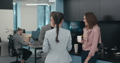 Office-Workers-Chatting