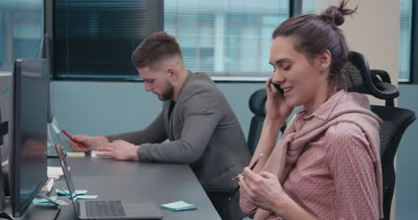 Office-Worker-on-Cellphone-01