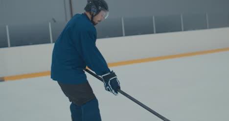 Práctica-de-hockey-sobre-hielo-37