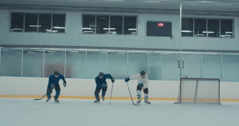 Ice-Hockey-Practice-04