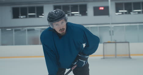Práctica-de-hockey-sobre-hielo-40