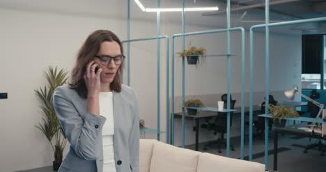 Executive-Woman-on-Phone-01