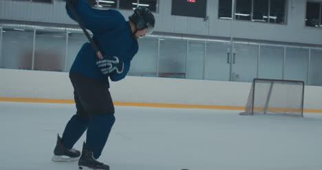 Práctica-de-hockey-sobre-hielo-51