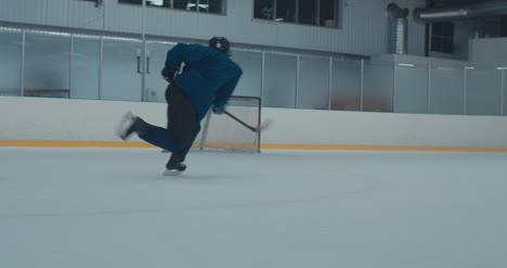 Práctica-de-hockey-sobre-hielo-58