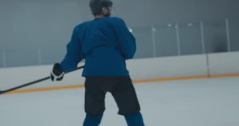 Práctica-de-hockey-sobre-hielo-64