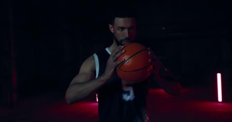 Jugador-de-baloncesto-con-balón-03