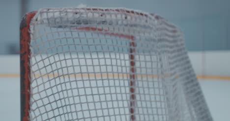 Práctica-de-hockey-sobre-hielo-68
