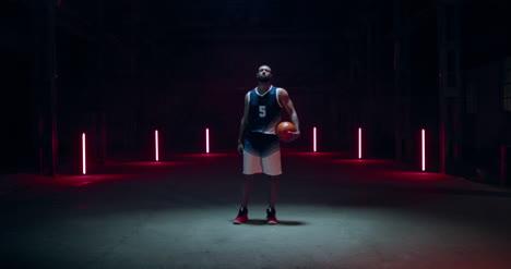Jugador-De-Baloncesto-Girando