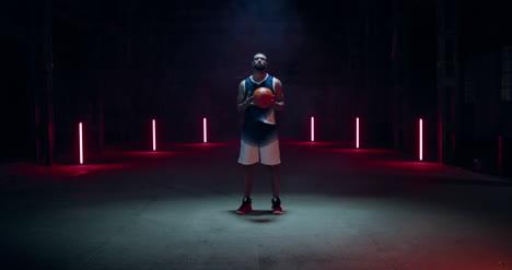 Jugador-de-baloncesto-girando-03