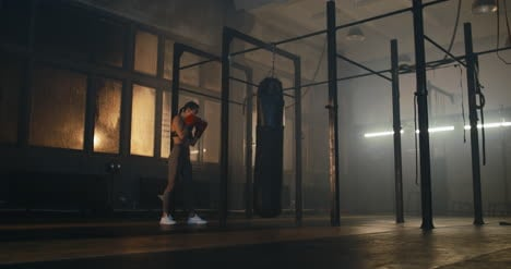 Woman-and-Punching-Bag-Cinemagraph