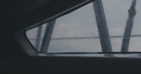 Ver-fuera-de-la-ventana-del-yate