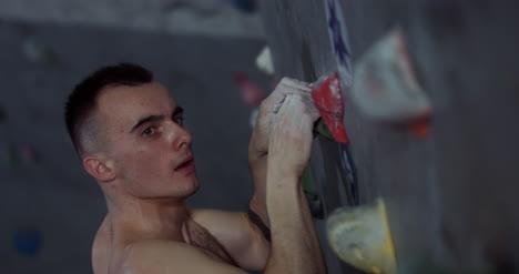 Climber-Gripping-Wall-CU