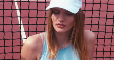 Tennis-Girl-Close-Up-02