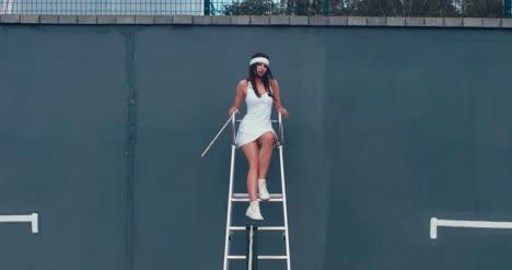 Tennis-Girl-Umpire-01