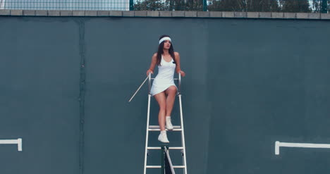 Tennis-Girl-Umpire-02