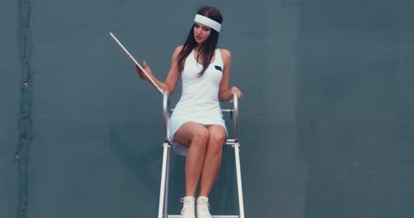 Tennis-Girl-Umpire-04
