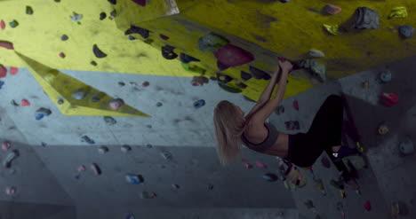 Escalador-Femenino-Boulder-01