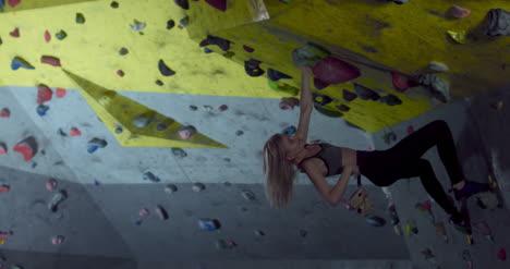Escalador-Femenino-Boulder-02