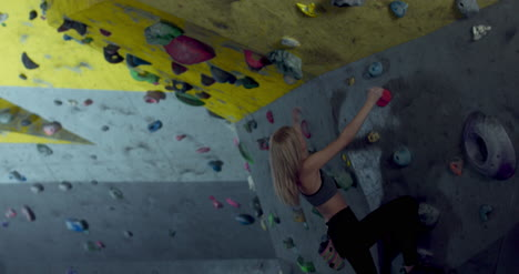 Woman-in-Climbing-Gym