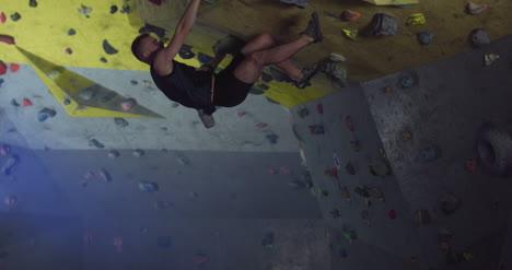 Climber-Bouldering