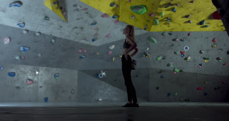 Woman-in-Climbing-Center-01