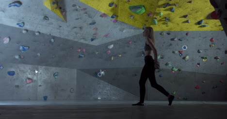 Woman-in-Climbing-Center-02
