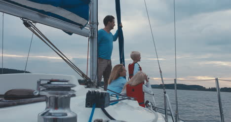 Family-on-Sailboat-06