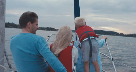 Family-on-Sailboat-08