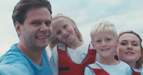 Family-on-Sailboat-14