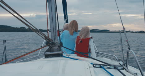 Family-on-Sailboat-17