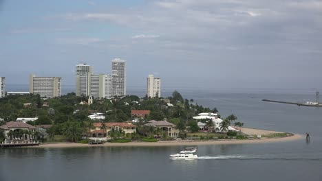 Florida-Fort-Lauderdale-Condos-And-Boat