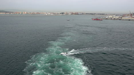 Gibraltar-Wake-From-Ship-Leaving