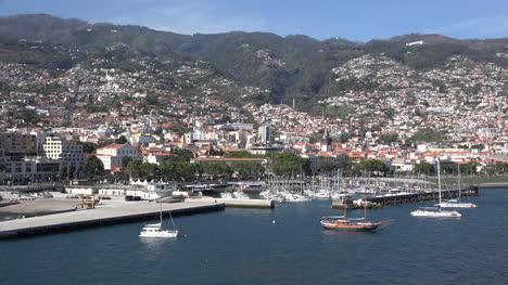 Madeira-Funchal-Blick-Auf-Die-Stadt