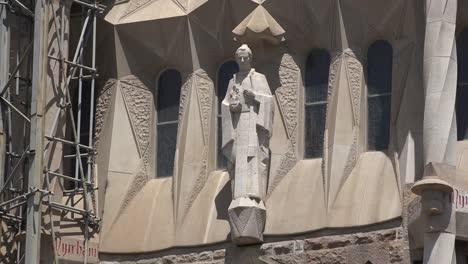 Spain-Barcelona-Sagrada-Familia-One-Carved-Saint