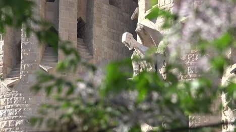 España-Barcelona-Sagrada-Familia-Santa-Con-Ramas-De-Los-árboles