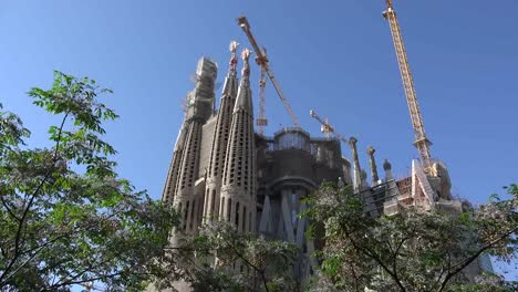 Spain-Barcelona-Sagrada-Familia-Towers-With-Cranes
