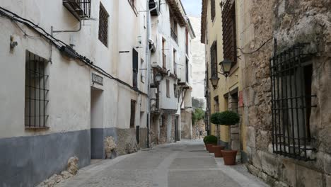 Spain-Cuenca-Street-Past-Inn