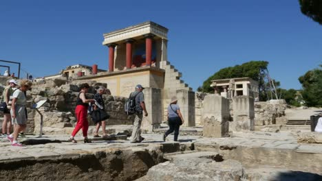 Greece-Crete-Knossos-Minoan-Civilization-Ruins-With-Tourist-Group