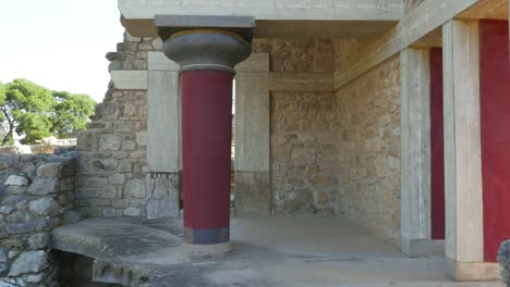 Greece-Crete-Knossos-Column-In-Ruin