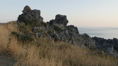 Grecia-Creta-Libia-Costa-Del-Mar-Rocas-Y-Hierba-Seca