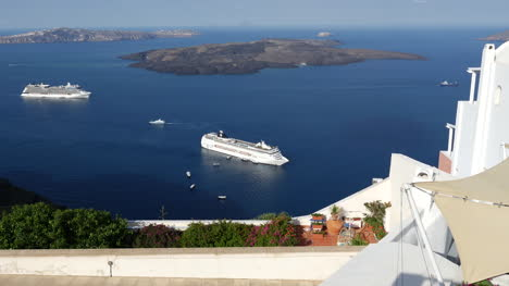 Greece-Santorini-Cruise-Ship-Below-Garden-Time-Lapse